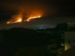 Ιωάννινα: Μεγάλη πυρκαγιά δίπλα στην πόλη